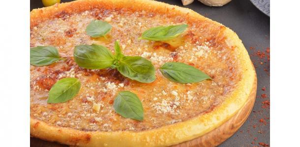 Персик, хамон и нутелла: как выглядит самая дешевая пицца за 69 грн в Днепре