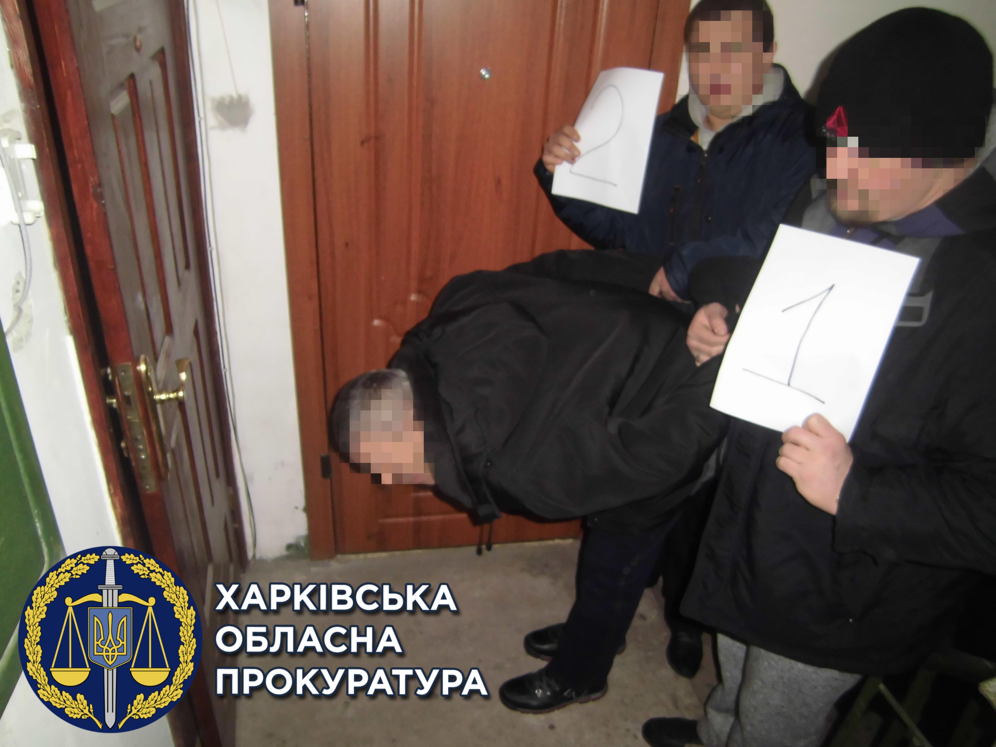 Новости Днепра про На Днепропетровщине полицейские украли у вора 42 миллиона гривен, а потом его отпустили