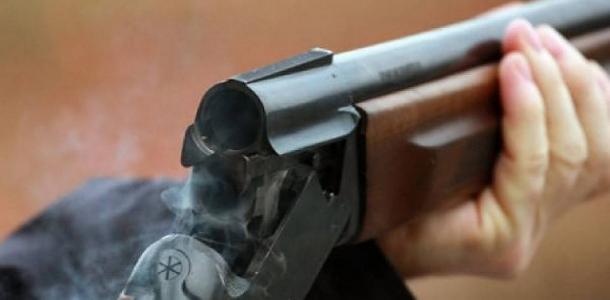 Как в 90-х: киллер зашёл с ружьём во «Львовскую мастерскую шоколада» и расстрелял мужчину