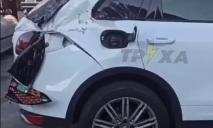 Хоть почку продавай: оторвавшийся прицеп трактора влетел в Porsche Cayenne
