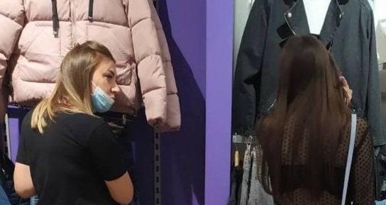 Новости Днепра про С голой попой: днепрянка пришла купить куртку в дерзком наряде