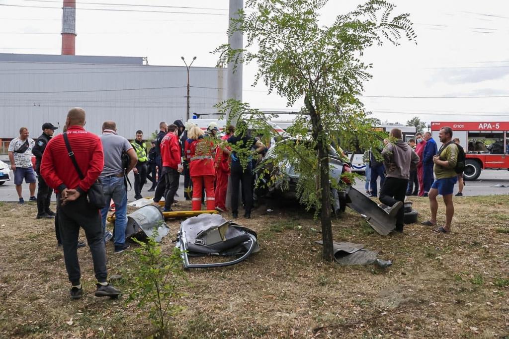 Новости Днепра про В Днепре на Набережной Заводской произошло крупное ДТП