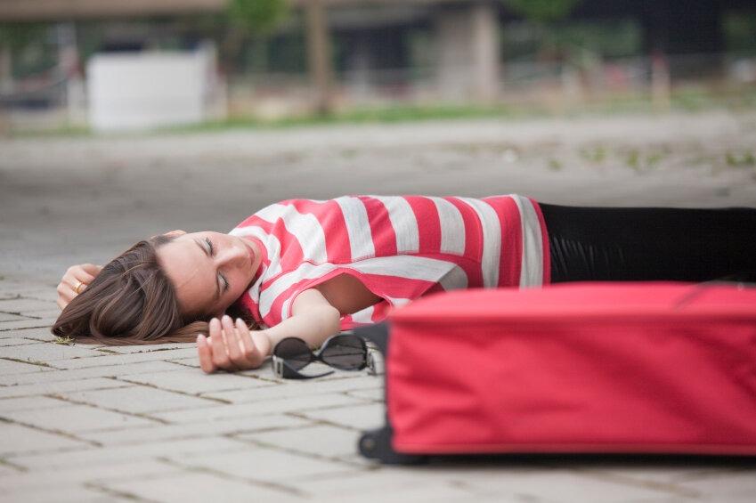Новости Днепра про Днепрянка упала в обморок из-за неправильной парковки (ВИДЕО)