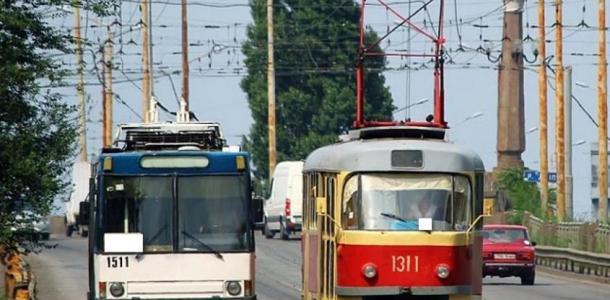 Сегодня общественный транспорт изменит маршрут: узнайте как доехать