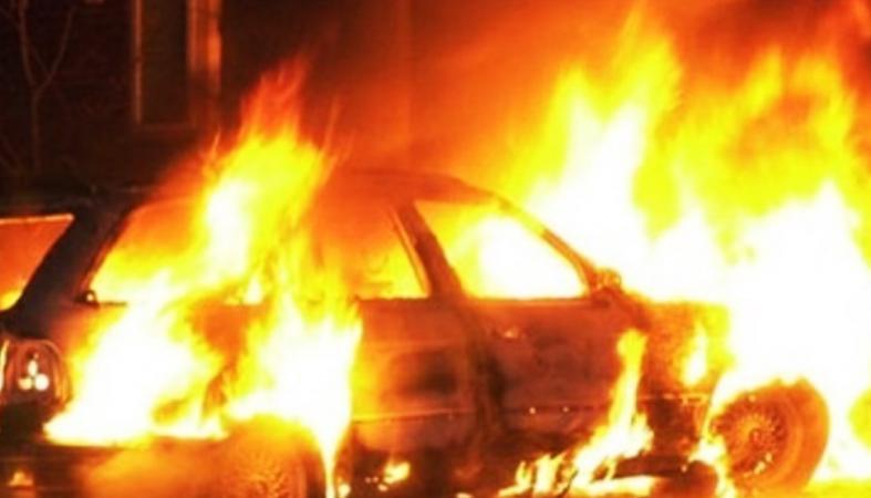 Новости Днепра про В центре Днепра подожгли Porsche Cayenne