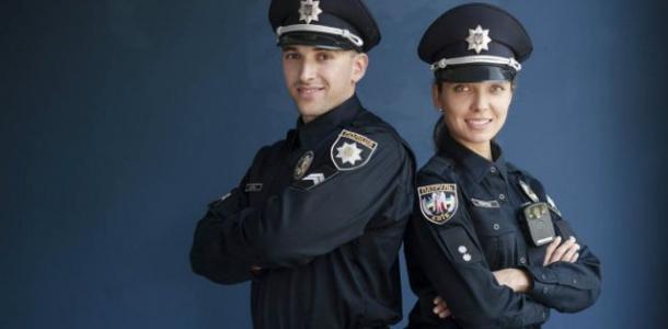 У вакцинированных полицейских в Днепре появятся специальные значки на одежде