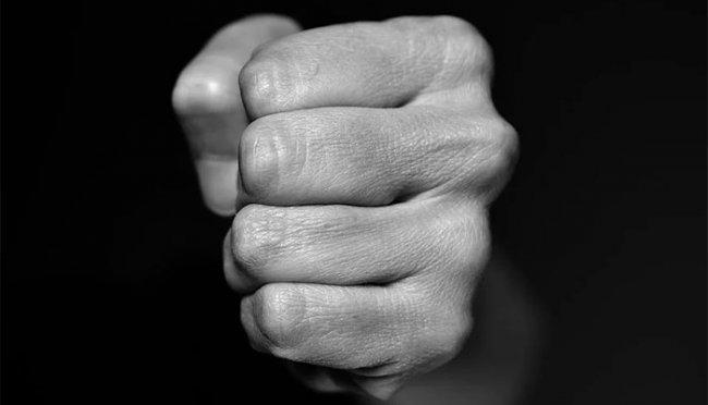 Новости Днепра про Семейные разборки: в Днепре пострадали 11-летняя девочка и беременная