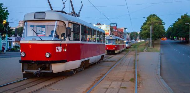 Не стойте зря: в Днепре трамваи маршрутов №5 и №11 завтра будут ездить с задержками