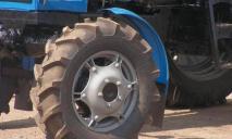 На Днепропетровщине мужчина погиб под колесами трактора