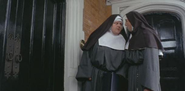 Ничего святого: мужчина угнал авто из женского монастыря