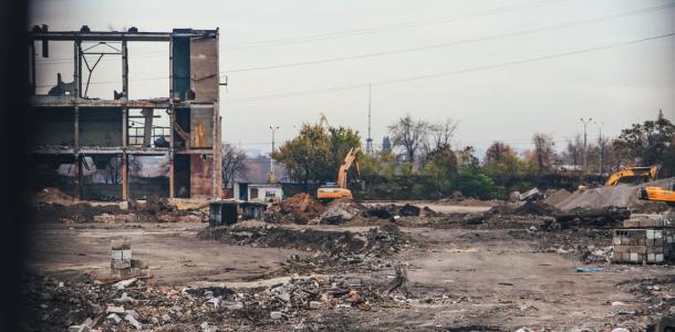 В Днепре вместо снесенного Метизного завода появится «Эпицентр»: новые фото с места строительства