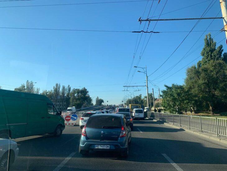 Новости Днепра про Утренняя километровая пробка в Днепре: почему стояли машины