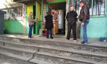 Попили пивка: в Днепре дерзко ограбили магазин с алкоголем