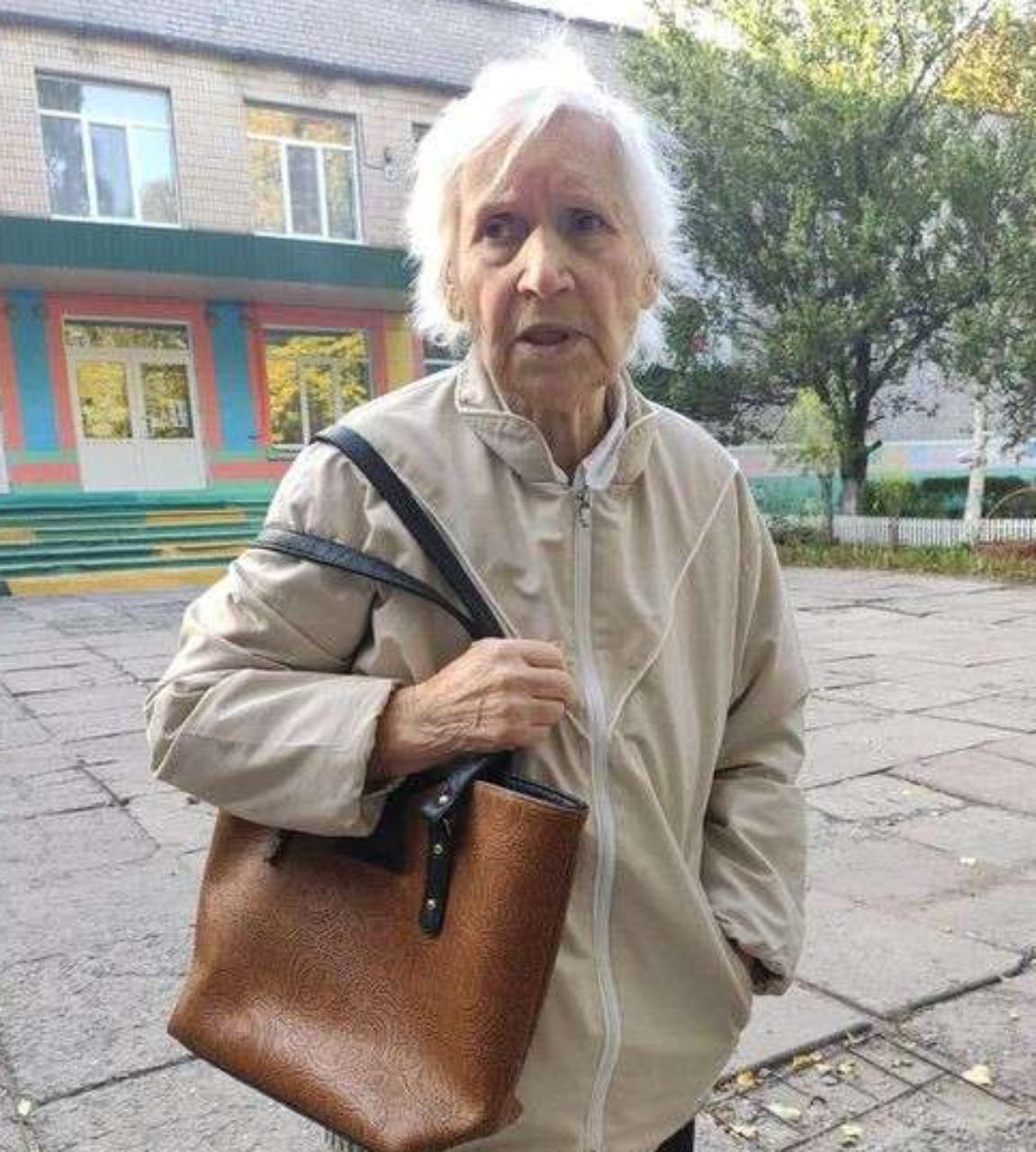 Новости Днепра про Искали трое суток: полицейским удалось найти родных пенсионерки, потерявшей память