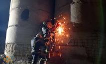На Днепропетровщине спасатели достали тело мужчины из-под бетонных завалов