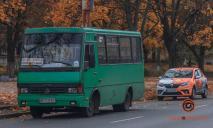 Аварии удалось избежать: водителю одной из маршруток стало плохо во время движения