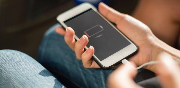 Зарядите телефон заранее: в понедельник в Днепре снова не будет света