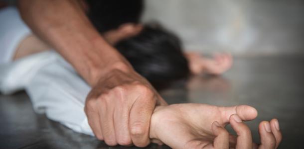 В Днепре неизвестный пытался изнасиловать массажистку во время сеанса