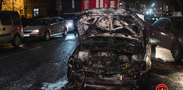 На Сечевых Стрельцов в Днепре на ходу вспыхнул Hyundai
