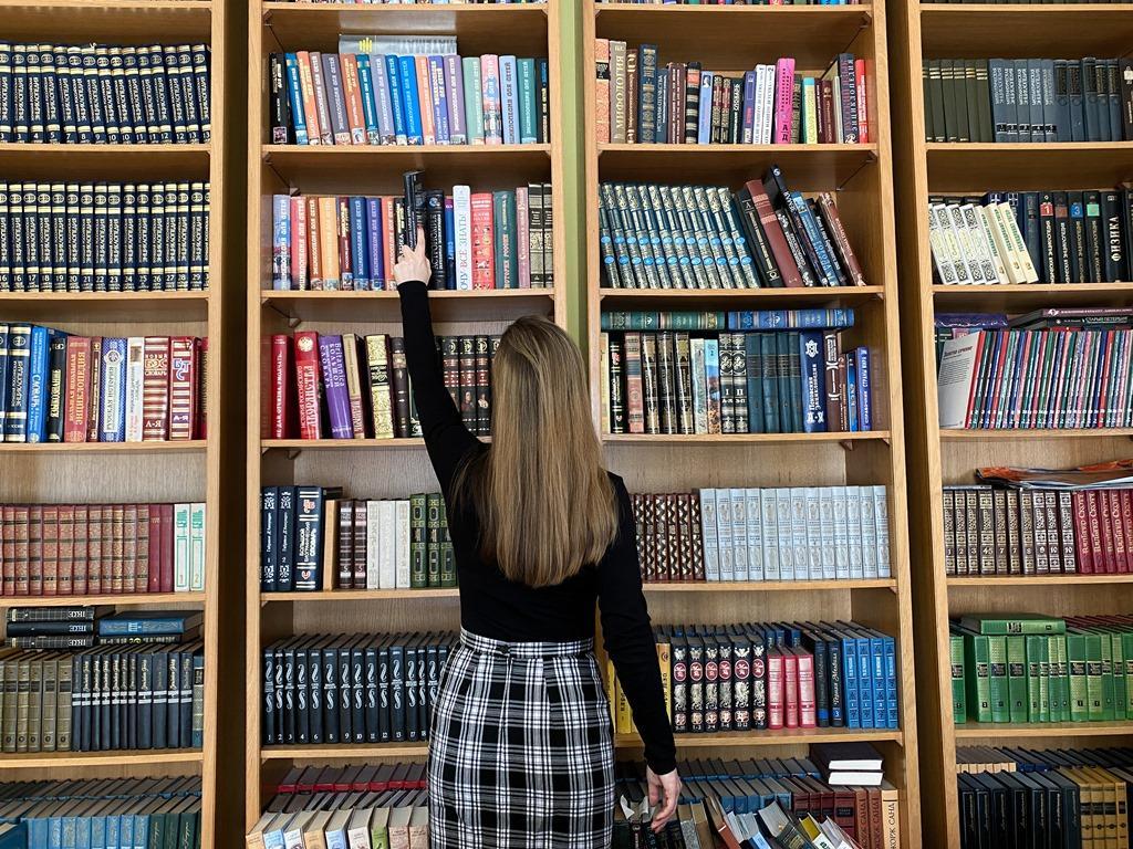 Новости Днепра про Куда деть старые книги за деньги и бесплатно: ТОП-5 мест в Днепре