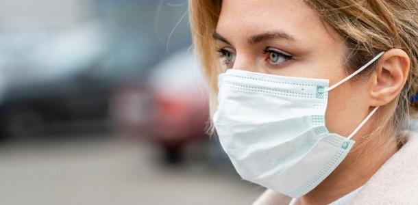 В Украине начнут выдавать справки о противопоказаниях к прививке от COVID: известна дата