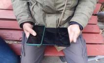 Представлялся полицейским: днепрянин воровал у детей телефоны