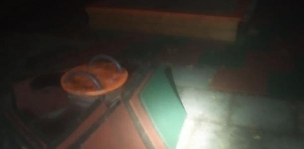 Днепряне украли резиновое покрытие с детской площадки, а потом предлагали полиции 10 тысяч грн
