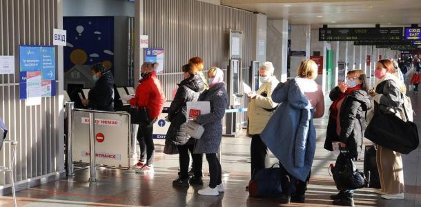 Перед поездом: на вокзалах Днепра, Никополя и Кривого Рога можно вакцинироваться