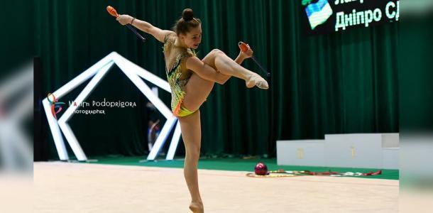 15-летняя гимнастка из Днепра удивила всю Украину