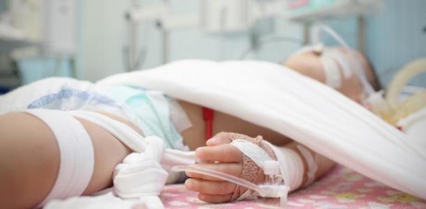 20 ударов по голове: на Днепропетровщине мать избила 3-летнюю дочь