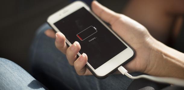 Зарядите гаджеты: кому в Днепре в субботу отключат свет